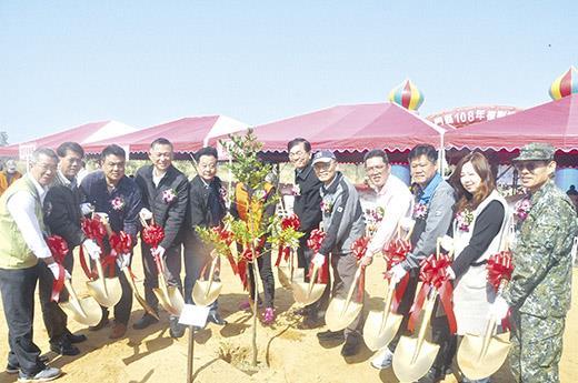植樹節活動昨在金寧鄉古寧頭沙崗安東一營區旁舉辦