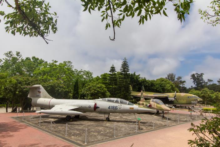7月15日前乳山園區、八二三戰史館園區飛機整修