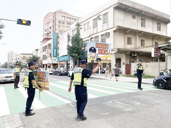 1-109年9月1日路口安全宣導及交通稽查1