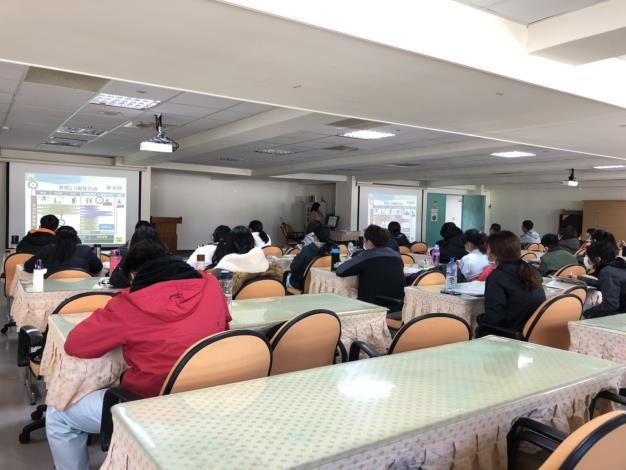 1090302 向金門大學護理系學生宣導長照服務2