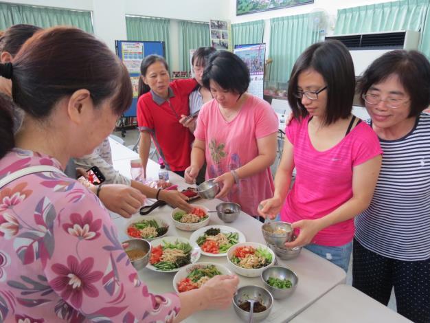 1090704-0705 「節能廚房」低碳飲食實作研習會(青岐社區)