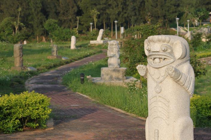 每一尊獨一無二、風貌不同的風獅爺,帶領著人們巡禮環保公園的寧靜、美麗與平安。