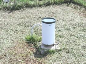 農試所-雨量器照片