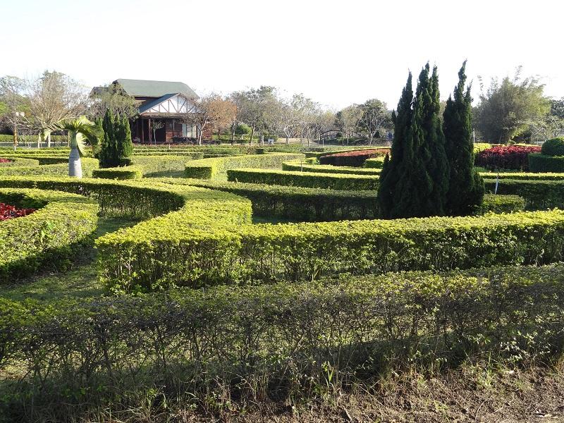 農試所-歐風庭園小木屋