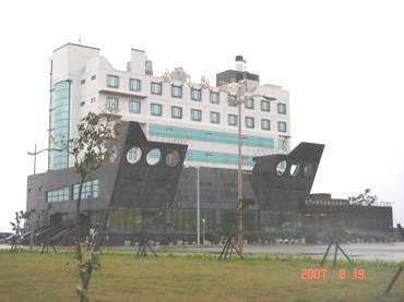水頭港大樓正面