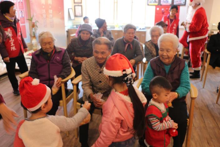 108年金門縣私立寶貝園地幼兒園蒞家聖誕關懷慰問表演(108.12.23)