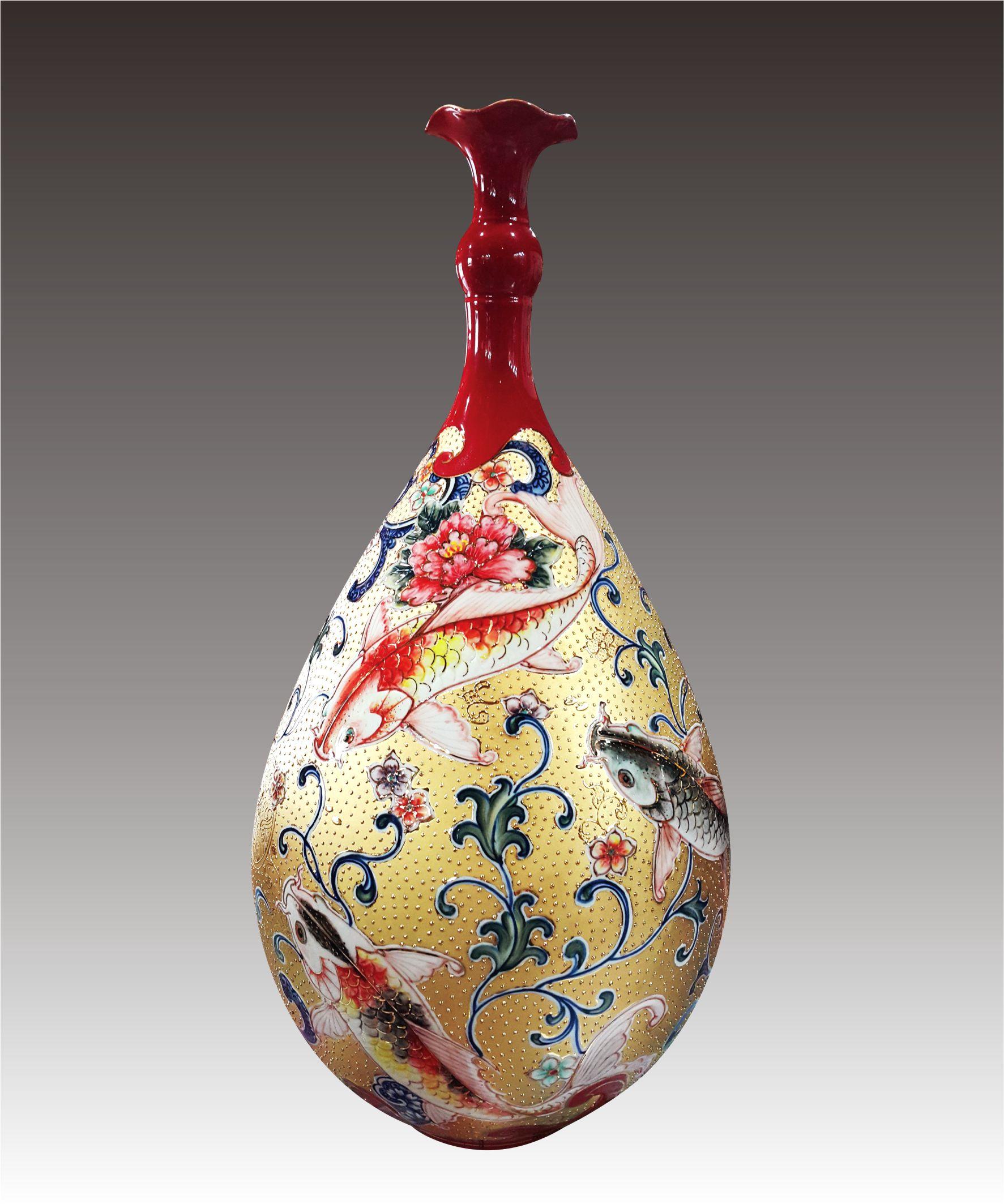 彩金紅釉彩繪三魚報喜水滴瓶