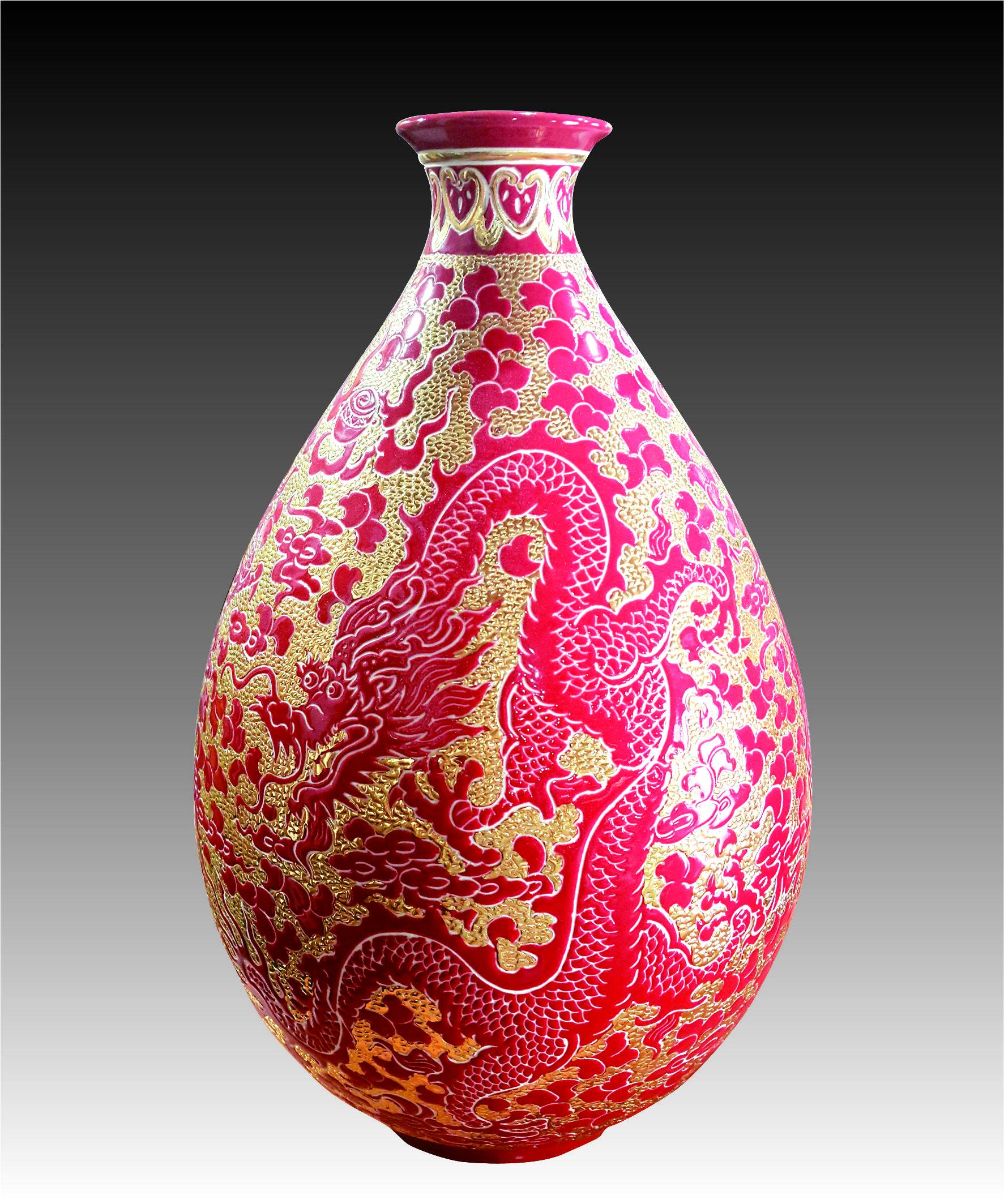 彩金紅釉刻繪龍玉壺瓶