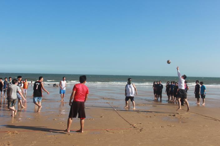 沙灘躲避球