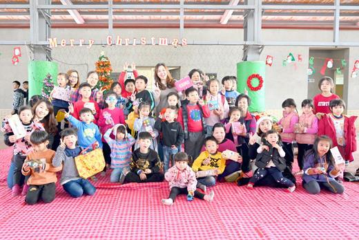 聖誕節前夕,烈嶼鄉公所舉辦「聖誕市集」親子活動