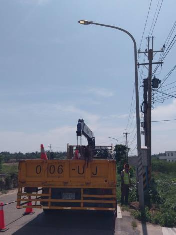 峰上巡檢司城單盞路燈搶修演練1