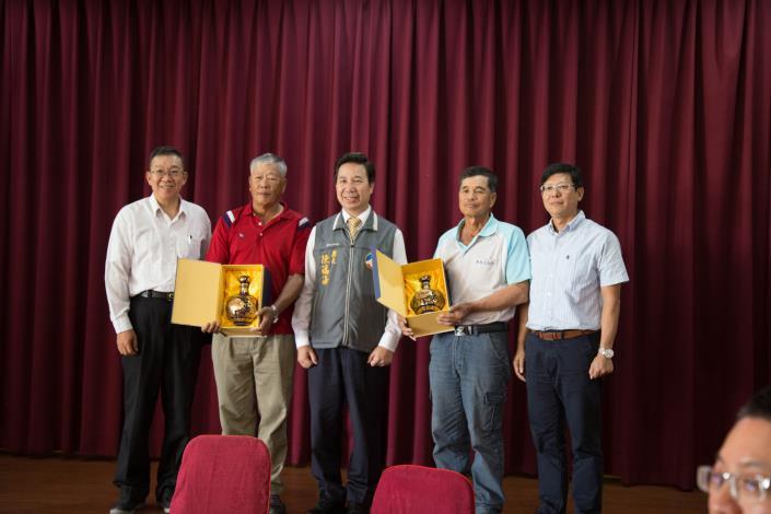 107年下半年度本所退休人員(蔡西勝、石兆瑞二員)感恩餐會
